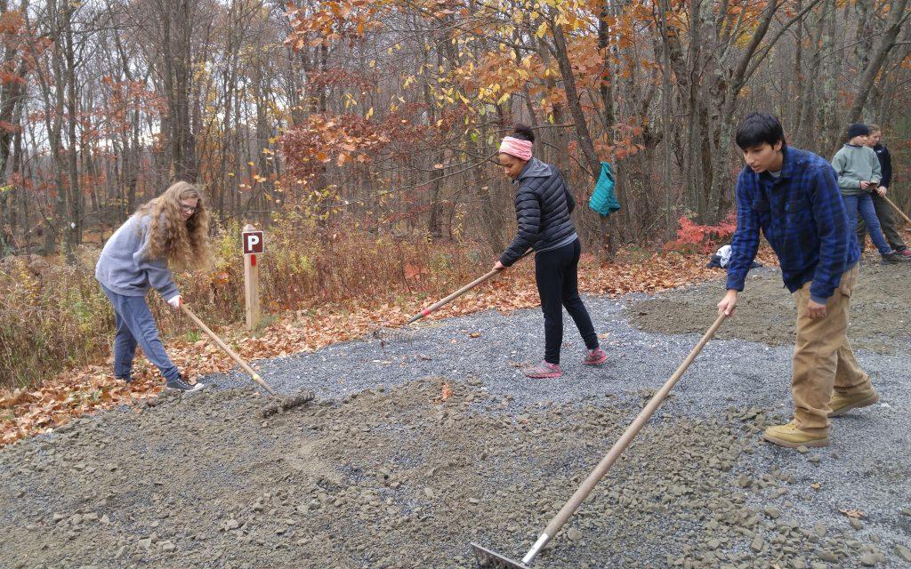 ws-raking-gravel